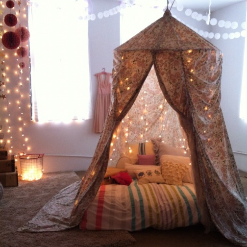 My inner bohemian would love a nap here.