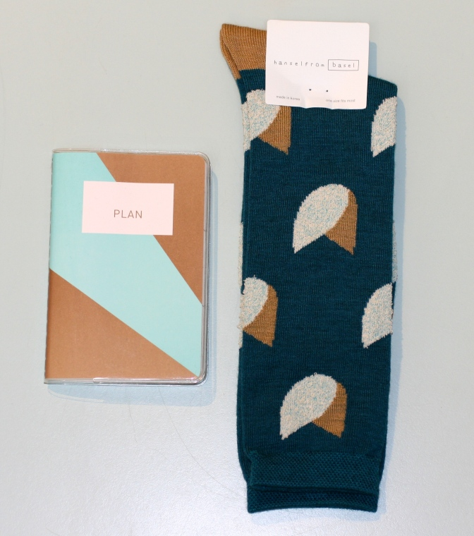 Poketo pocket planner, Hansel from Basel Tulip socks