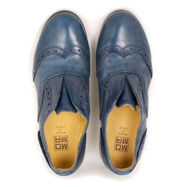 moma blue oxford