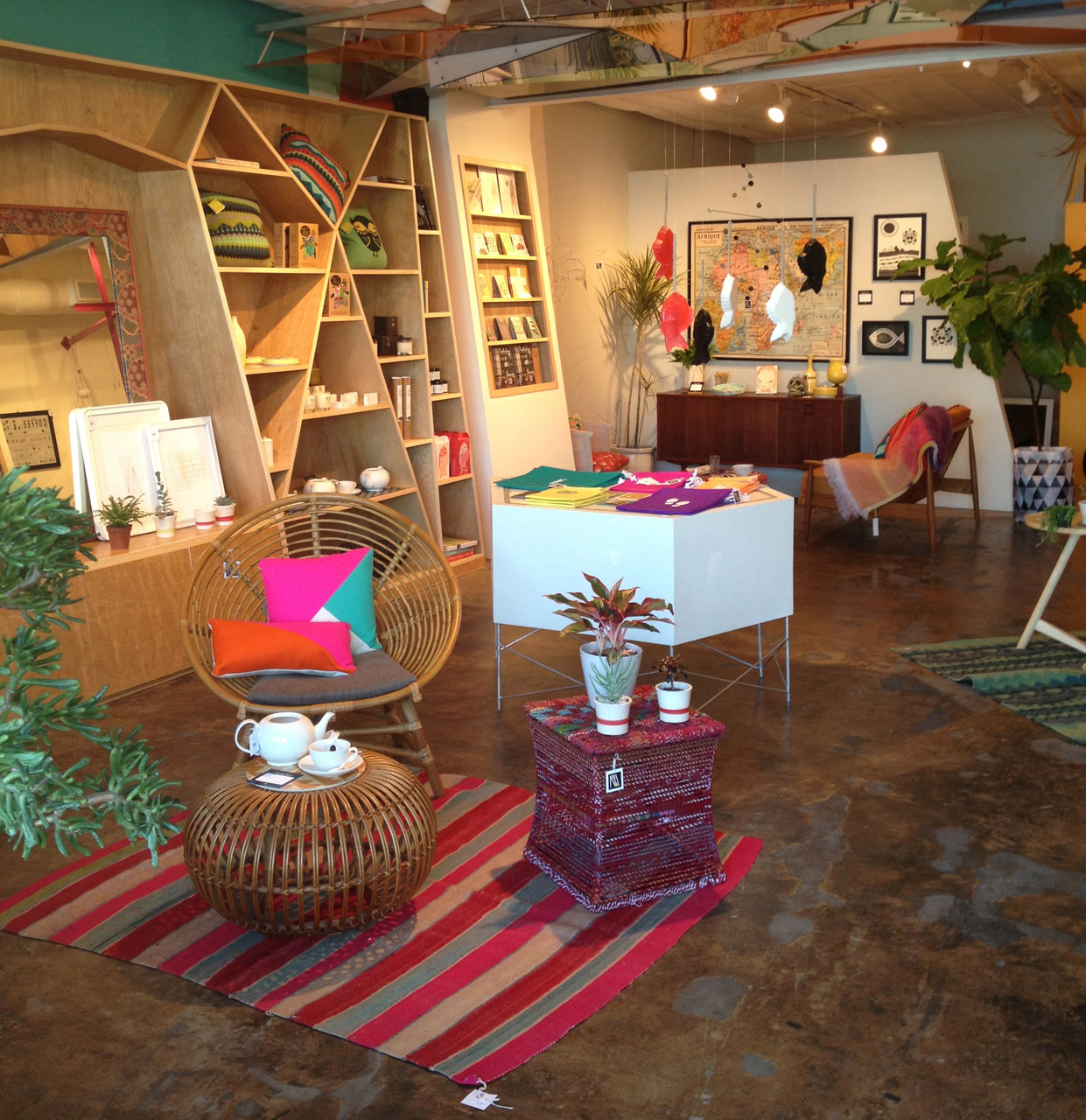 Small Furniture Stores: Mondays, Maggie Muses: Small Independent Retail