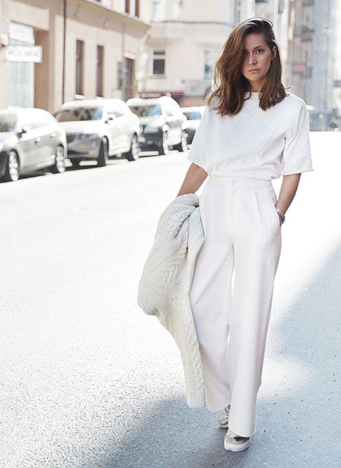 white-pants-silver-shoes-monochrome