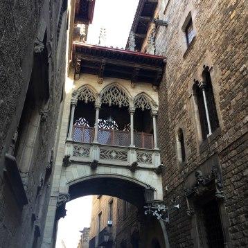 A medieval sky-bridge in Barrio Gotic.